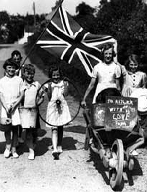 Children 'do their bit' collecting scrap metal for the war effort © Lisburn Museum